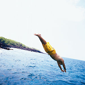 Dive into the blue water surrounding America's island state.
