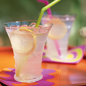 4th of July Recipes: Fresh-Squeezed Lemonade