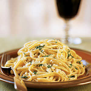 Linguine and Spinach with Gorgonzola Sauce