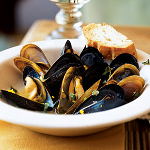 Steamed Mussels with Cardamom, Orange, and Mint