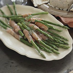 Healthy Asparagus Spears with Smoked Salmon Spirals Recipe