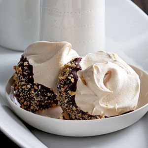 Healthy Chocolate-Hazelnut Meringues