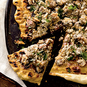 Healthy Garlicky Clam Grilled Pizza Recipe