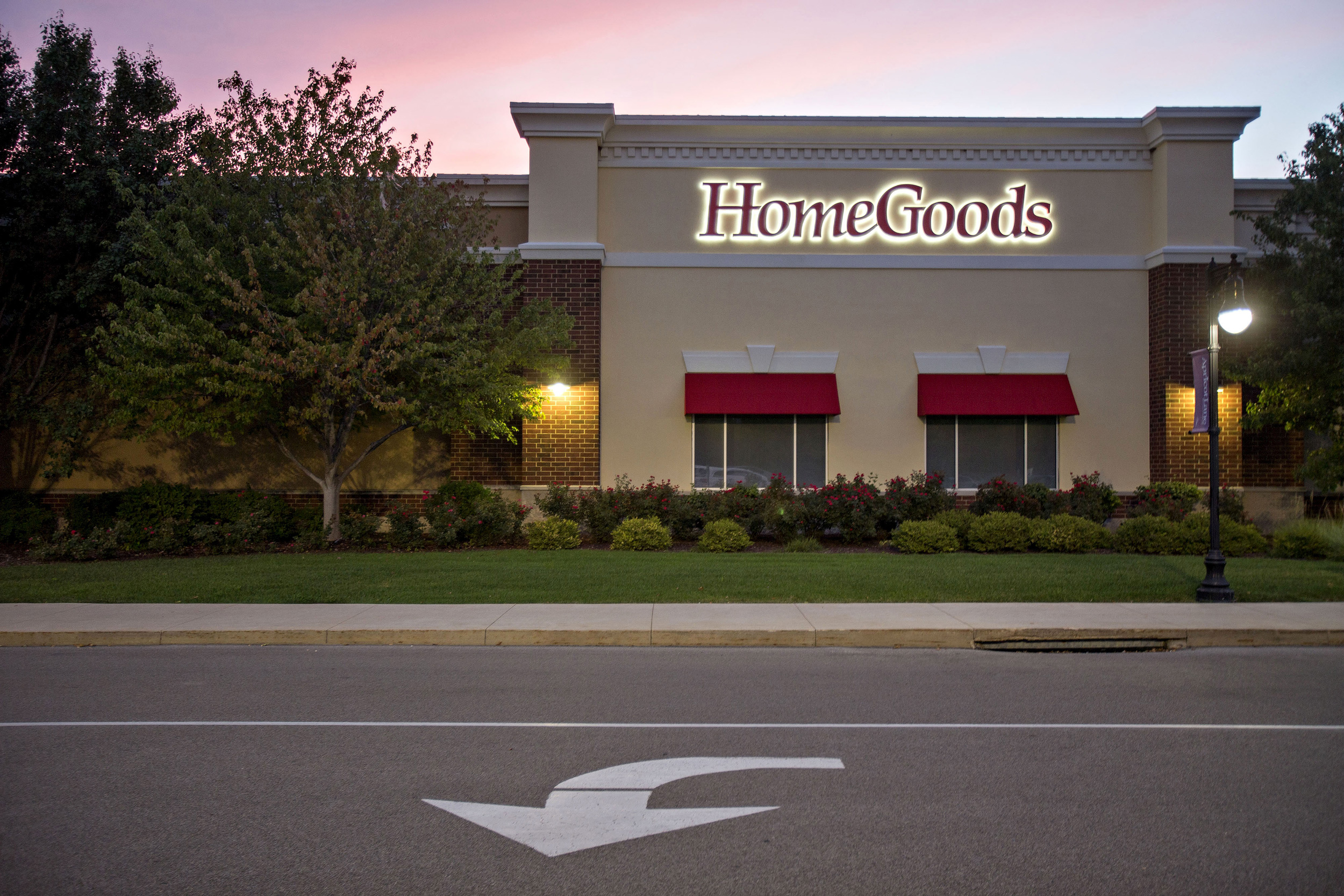 Two Stores Where You Might Never Think To Shop For Healthy Food But