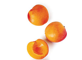 What to Eat Right Now: Apricots