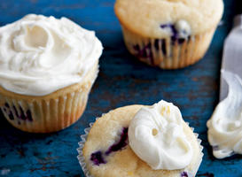 Lemon-Scented Blueberry Cupcakes Recipe