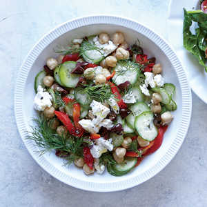How to Make a Greek Cucumber and Chickpea Breakfast Bowl