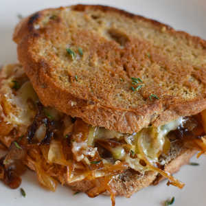 How to Make French Onion Grilled Cheese