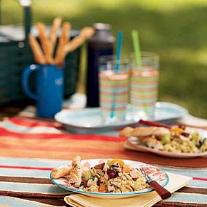 How to Pack a Safe Picnic