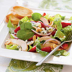 How to Make Chicken and Strawberry Salad