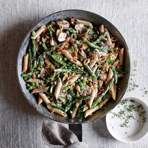 How to Make Creamy Asparagus and Pancetta Penne