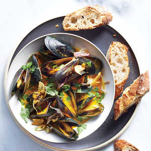 How to Make Mussels with Buttery Turmeric Broth