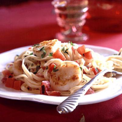 Recipe for Two: Pan-Seared Scallops on Linguine with Tomato-Cream Sauce