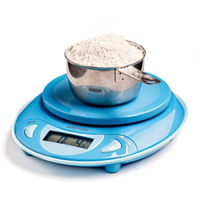 5 weigh don t measure flour 10 secrets to cake for Kitchen scale for baking