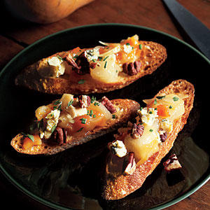 Pear Chutney Bruschetta with Pecans and Blue Cheese