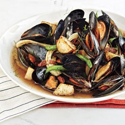 Mussels Steamed with Bacon, Beer, and Fennel - Budget Meal Plan: $50 ...