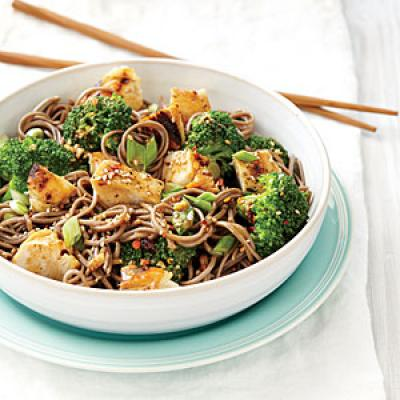 Sweet Sesame Noodles with Chicken and Broccoli - Quick and Easy Asian ...