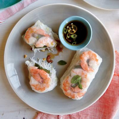 Shrimp Summer Rolls with Sesame-Soy Dipping Sauce - Quick and Easy ...