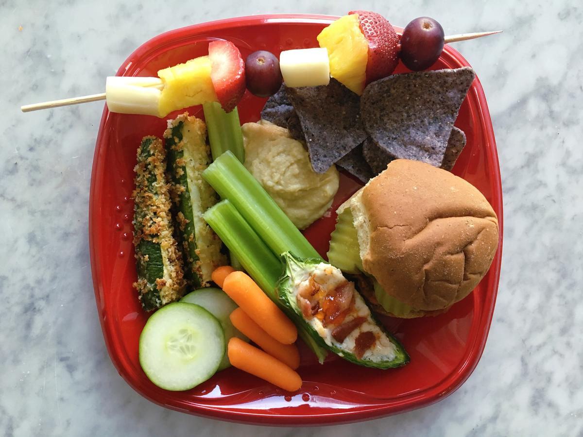 How to Build a Healthy Tailgating Plate
