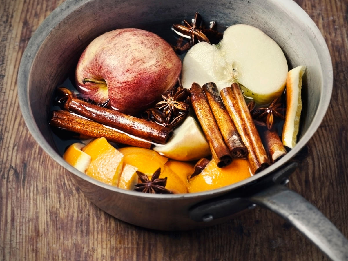 10 ways to not smell like your kitchen after cooking - cooking light