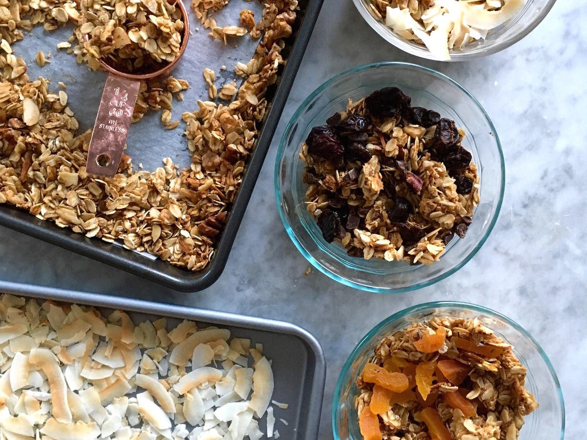 Big Batch Breakfast: Big Batch Clean Eating Granola