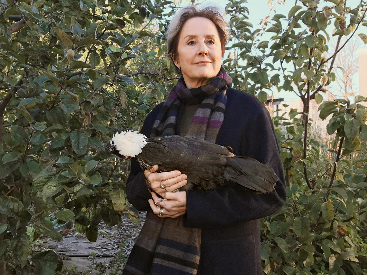 You'll Never Guess What Alice Waters Uses to Make Grilled Cheese
