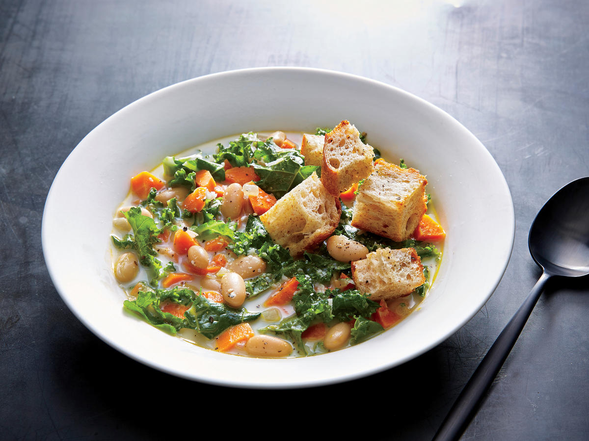 White Bean Soup with Garlicky Croutons