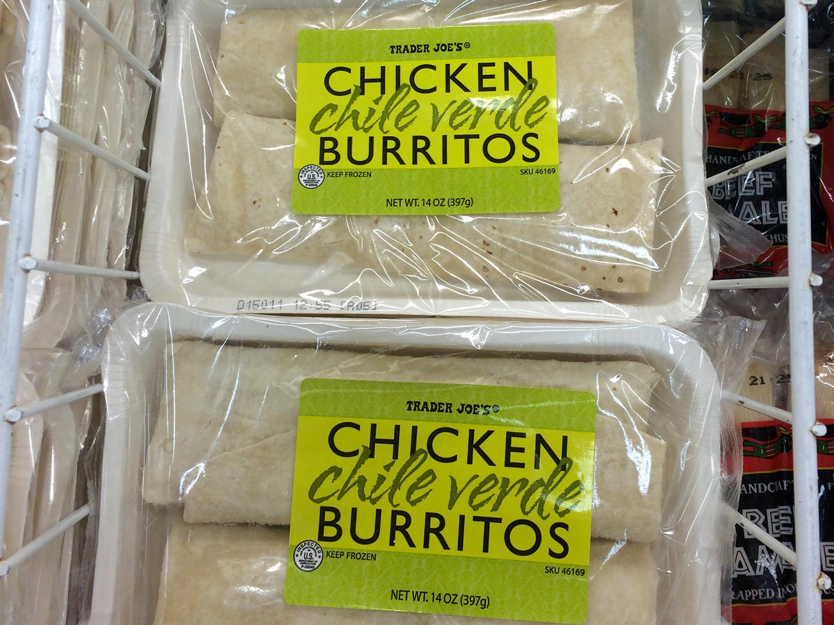 1712w Chicken Chile Verde Burritos Trader Joes.jpg