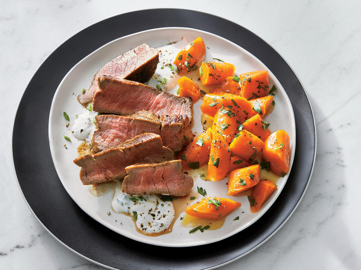 Beef Tenderloin with Horseradish Cream and Glazed Carrots