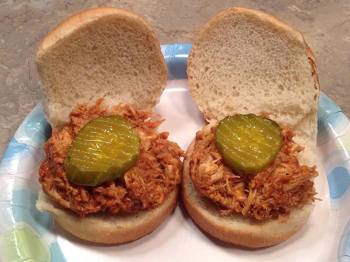Barbecue Pulled Chicken Sliders 1802w
