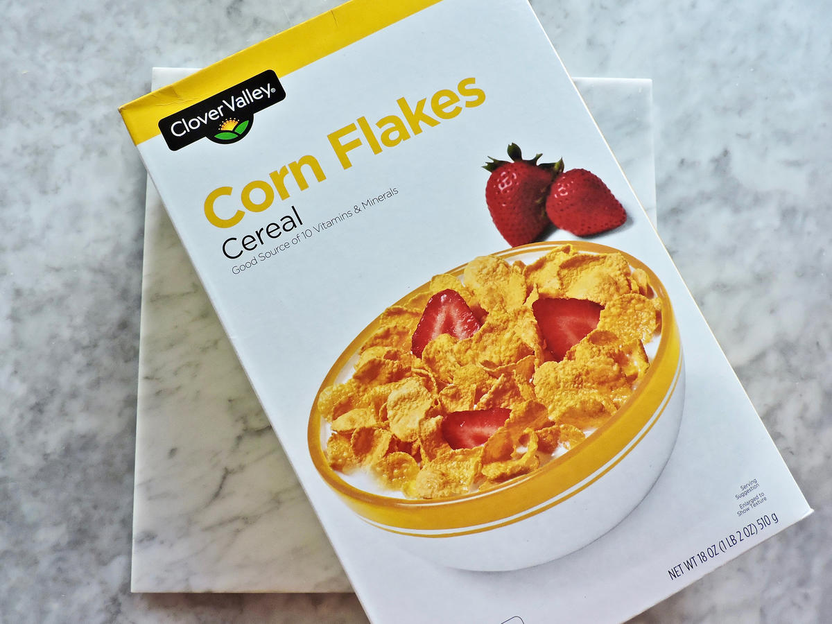 1802w Dollar General Corn Flakes