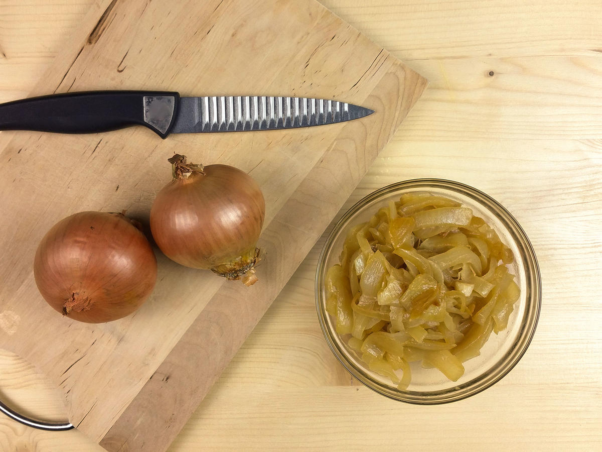 Are cut onions poisonous the next day