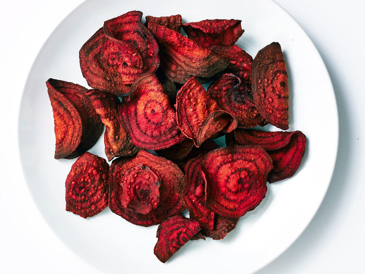 Crispy, Sweet Air-Fried Beet Chips