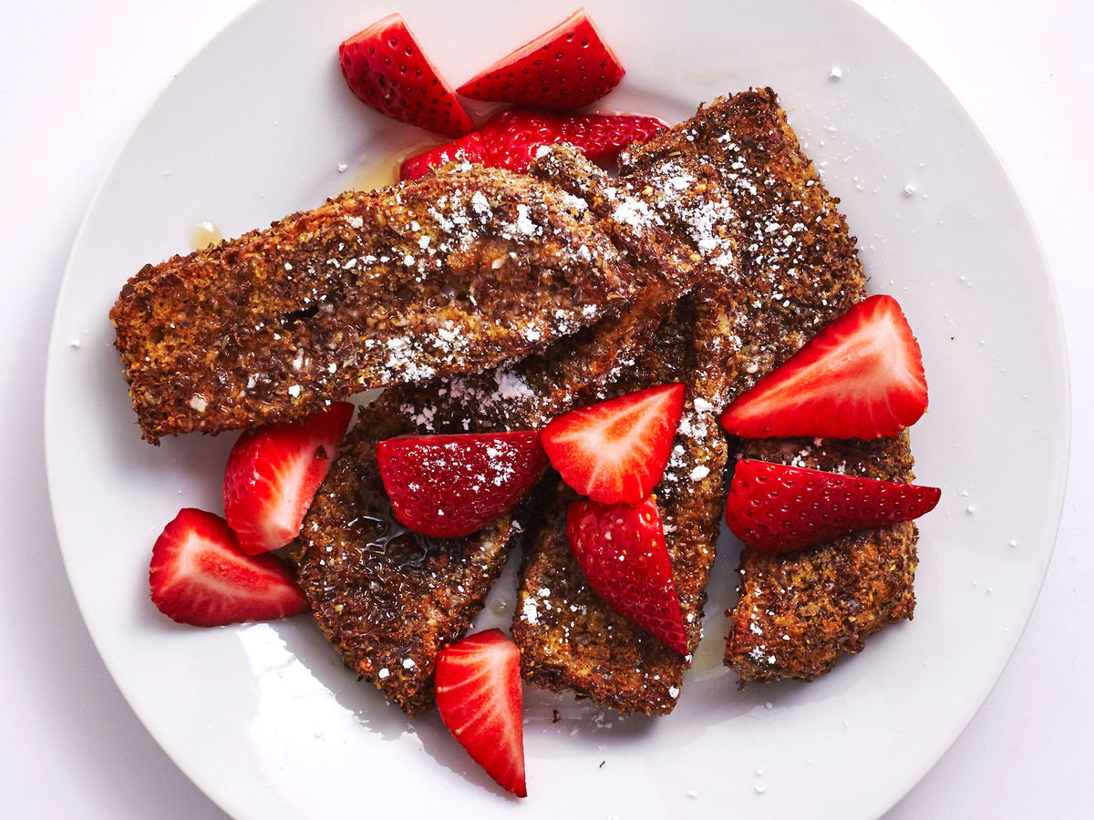 Air-Fried Flaxseed French Toast Sticks With Berries