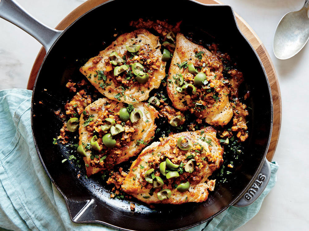 Chicken with Almond and Paprika Vinaigrette