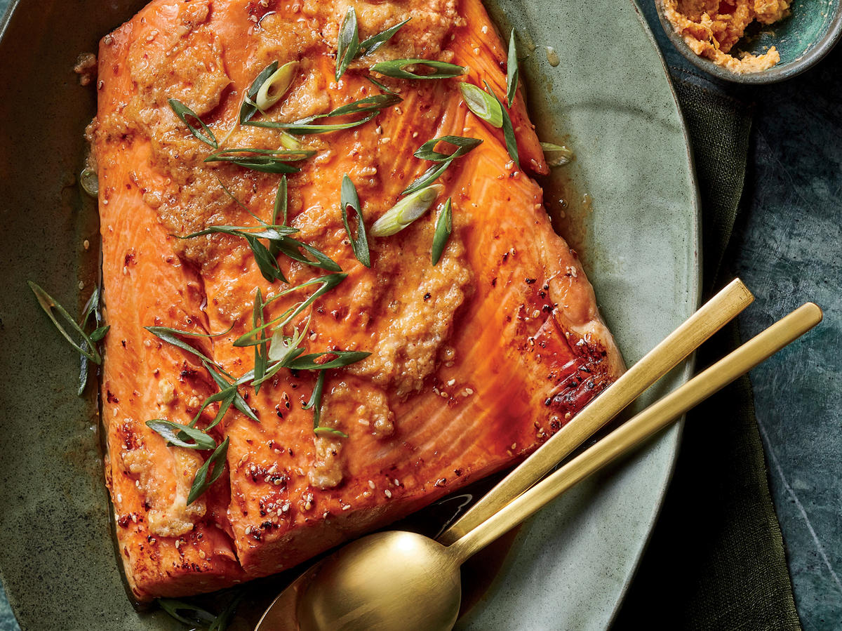 This Sesame Salmon With Kimchi-Miso Butter Has Just 366 Calories