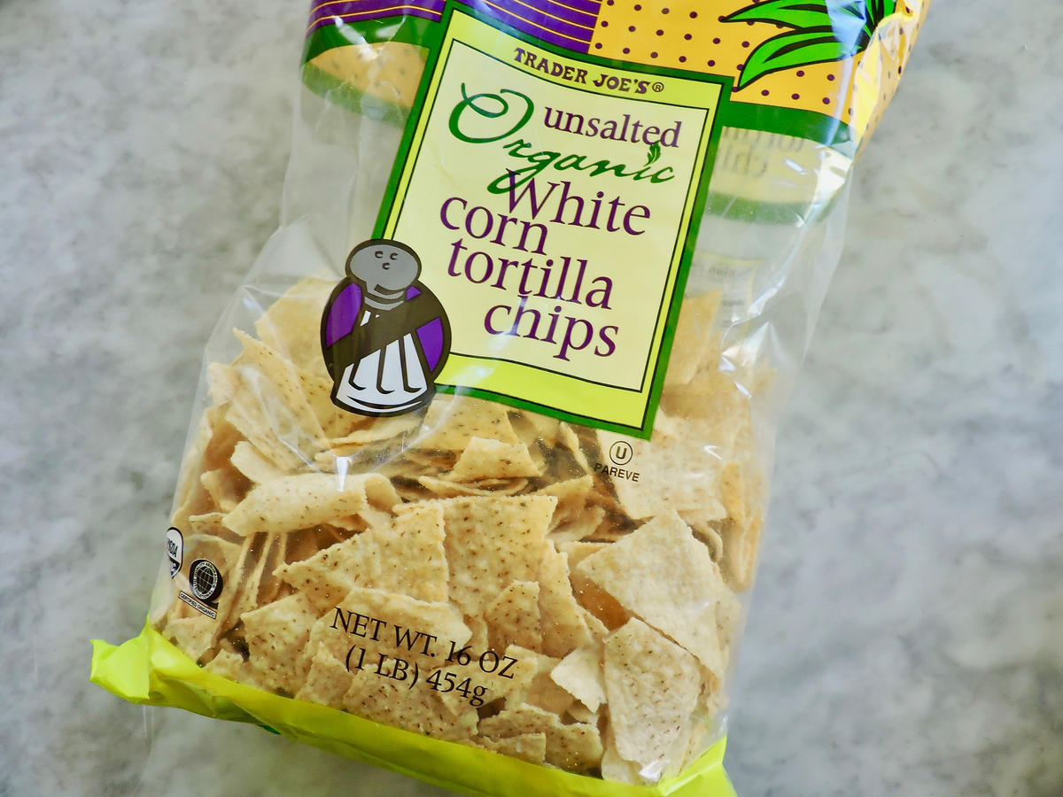 1804w Trader Joes Unsalted Tortilla Chips