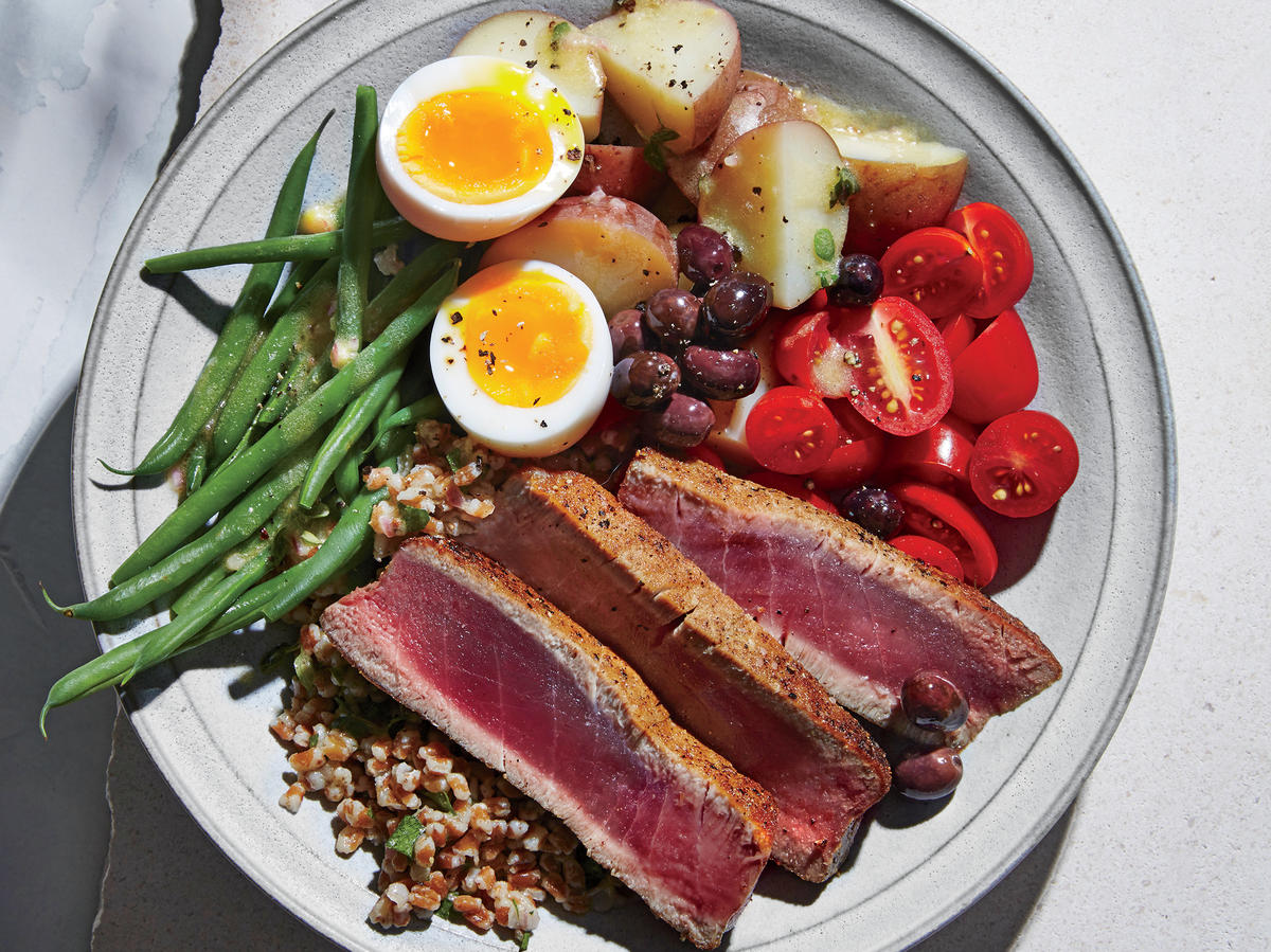 Tuna Niçoise Whole-Grain Bowls