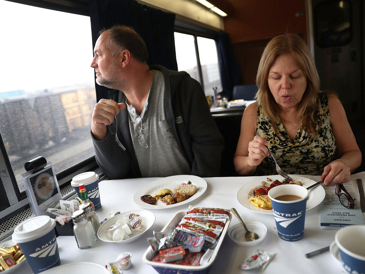 Amtrak Now Serves Vegan and Gluten-Free Items in Dining Cars