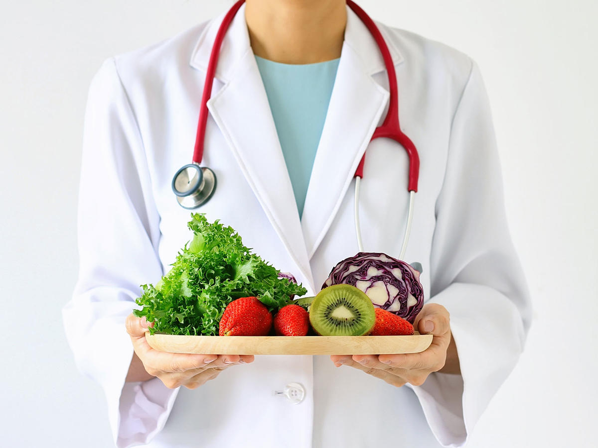 Doctors Are Starting to Prescribe Healthy Foods and Exercise—And It's Having Amazing Effects