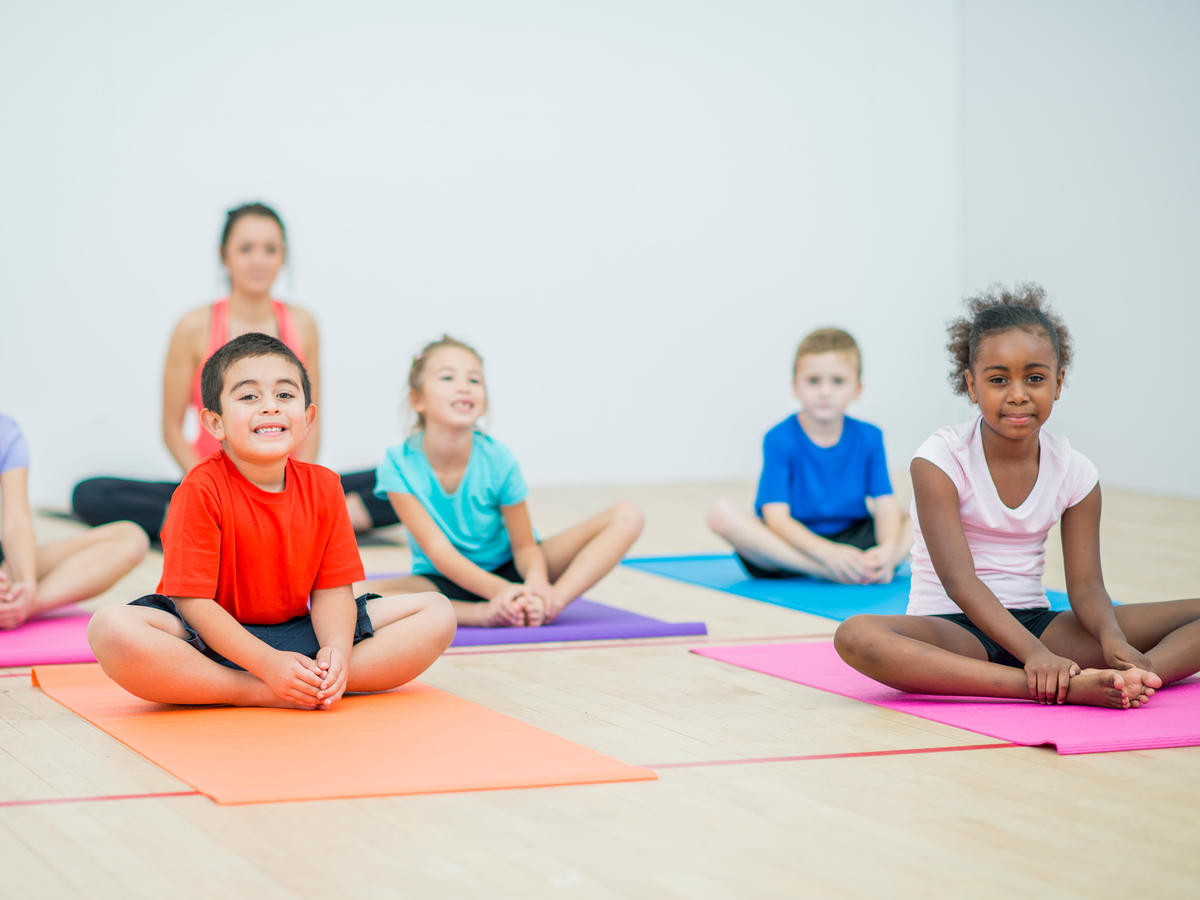 1809w Children Yoga
