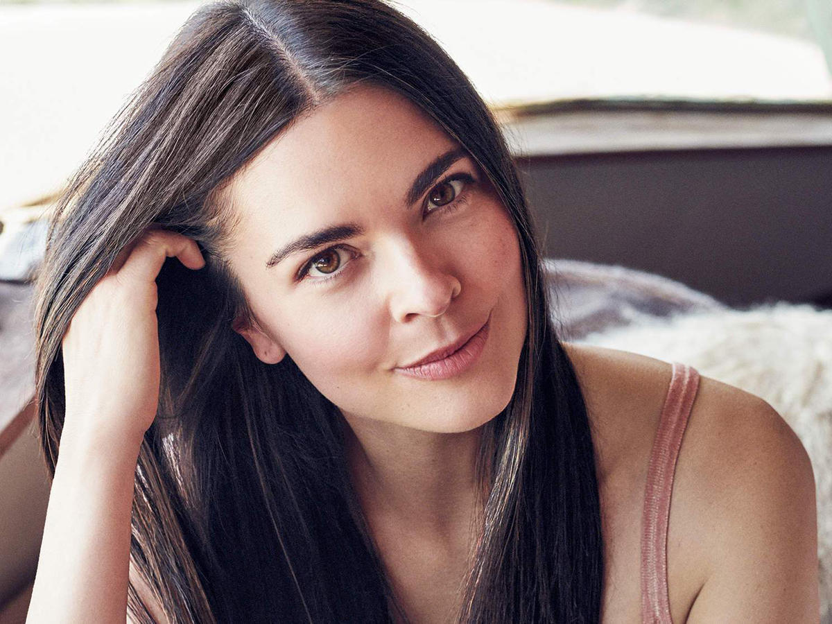 "Food Network Star Katie Lee Gets Real About Her Diet: ""I Don't Subscribe to That No-Carb Thing"""