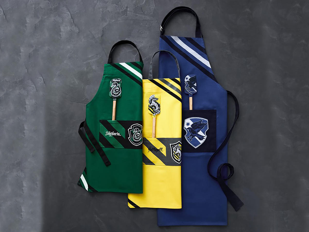 harry potter house aprons