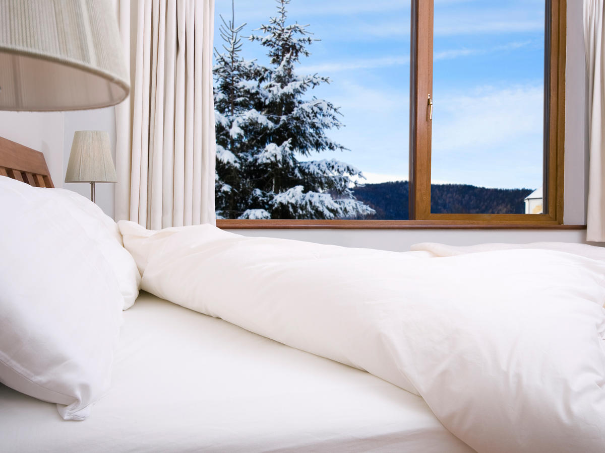 10 Ways to Sleep Better in Winter