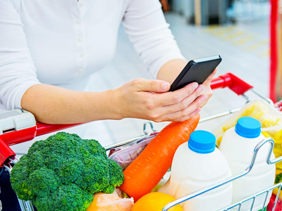 This Free App Finds You the Cheapest Price on Groceries In Your Area