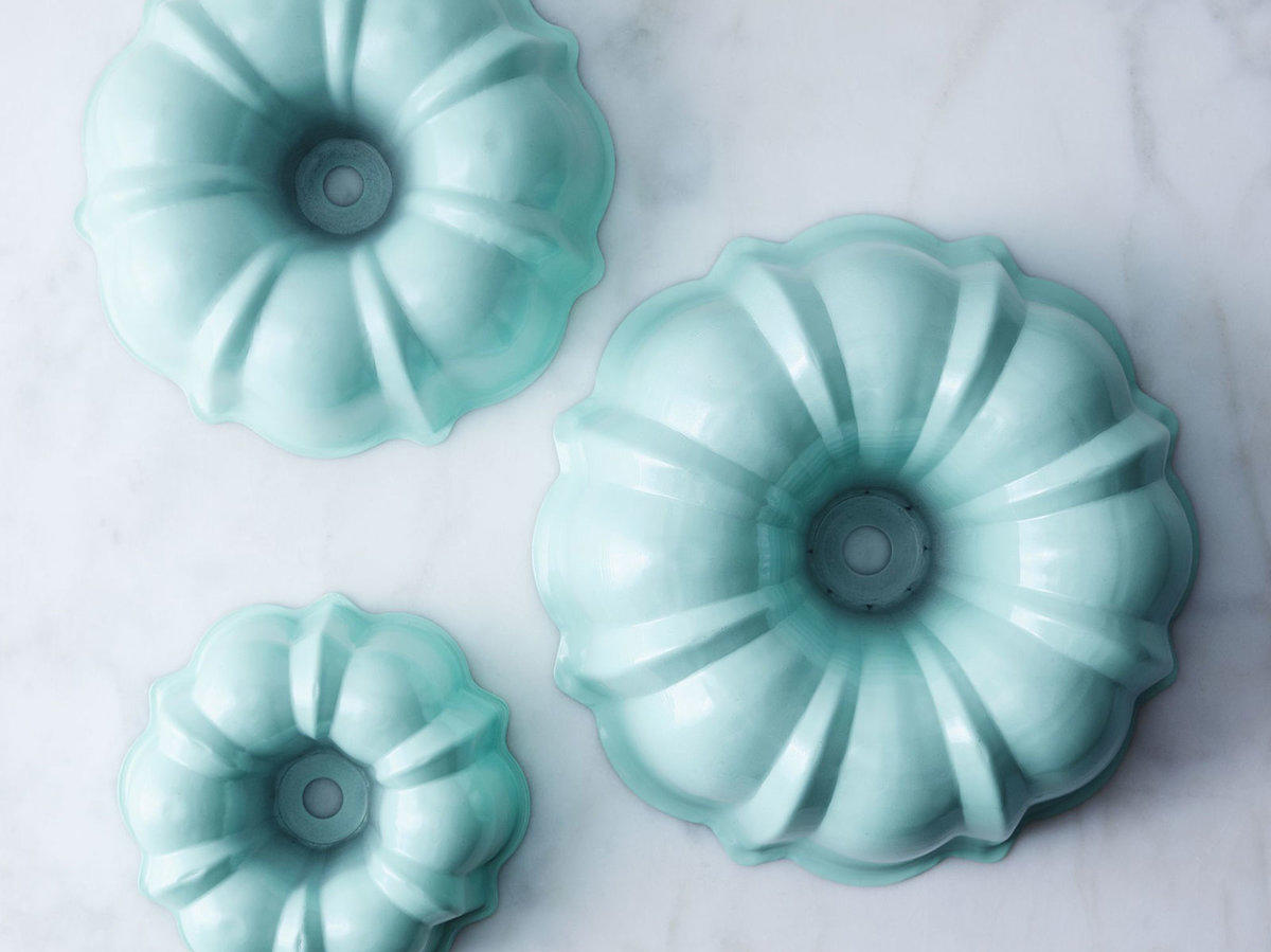 9 Vintage Bakeware Pieces You'll Keep Forever