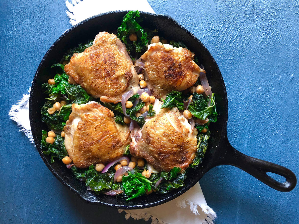 Crispy Chicken Thighs With Kale and Chickpeas