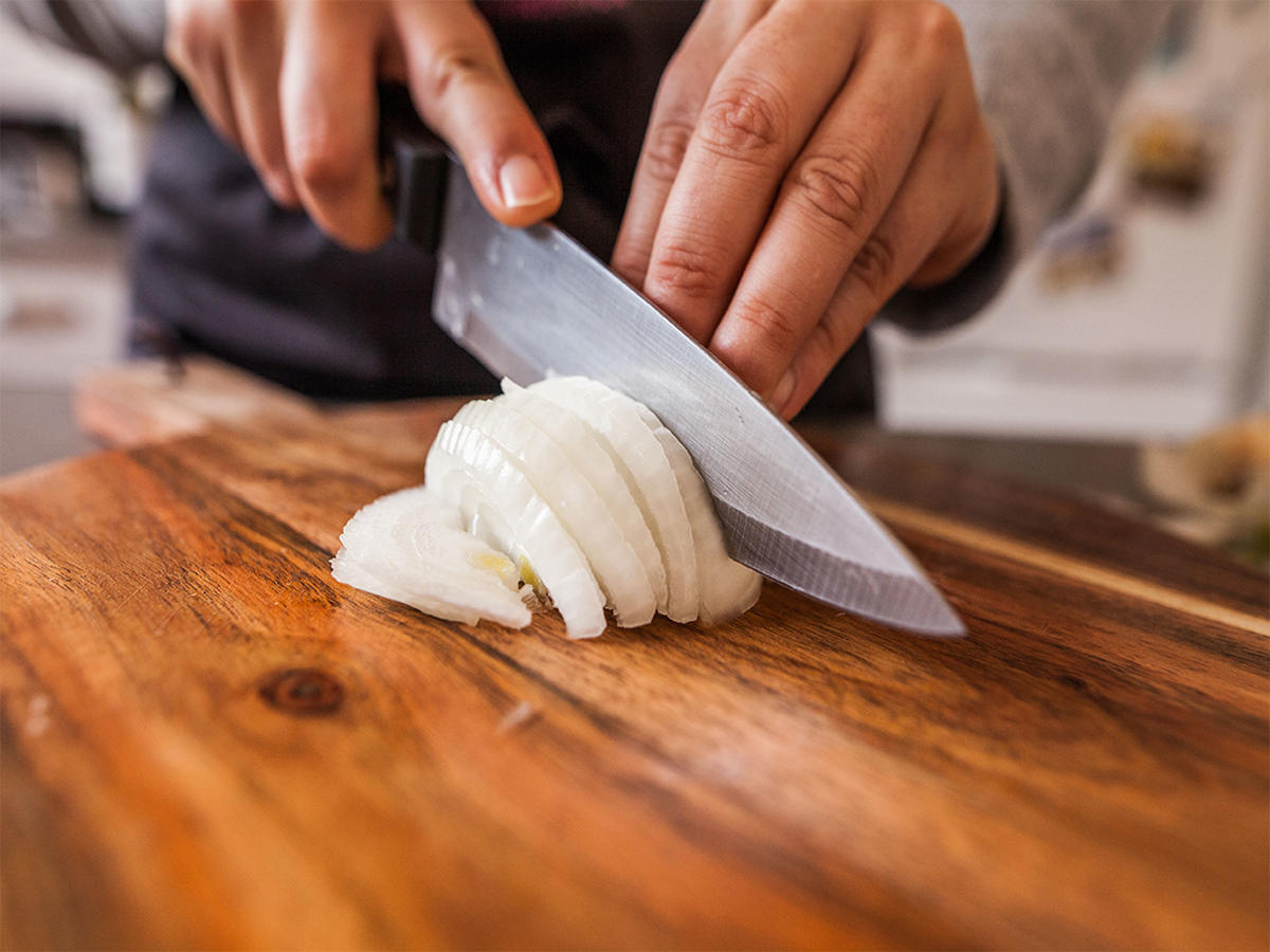 This 30-Second Trick for Making Any Onion Tearless Is Genius