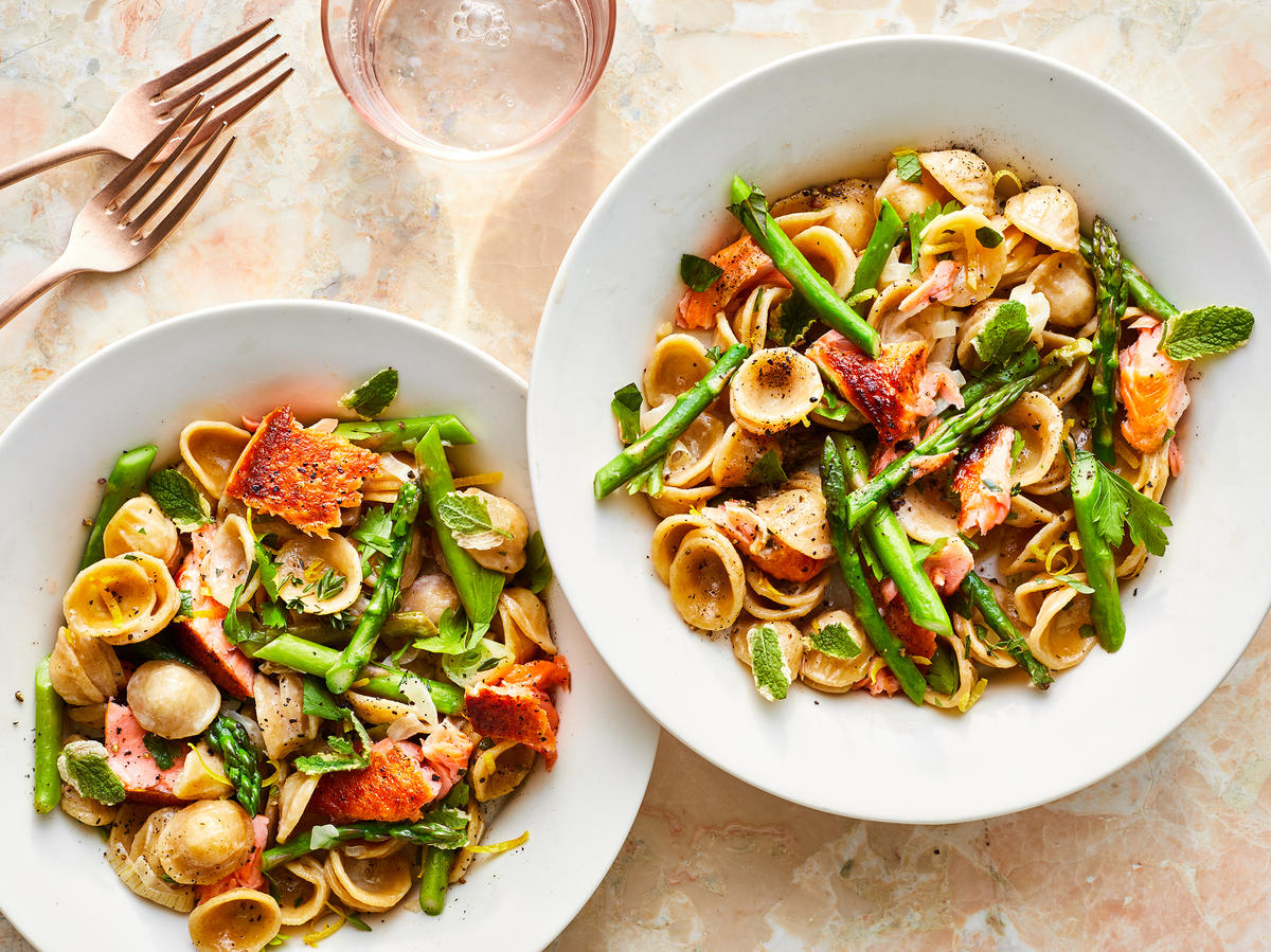 Asparagus, Spring Onion, and Salmon Pasta