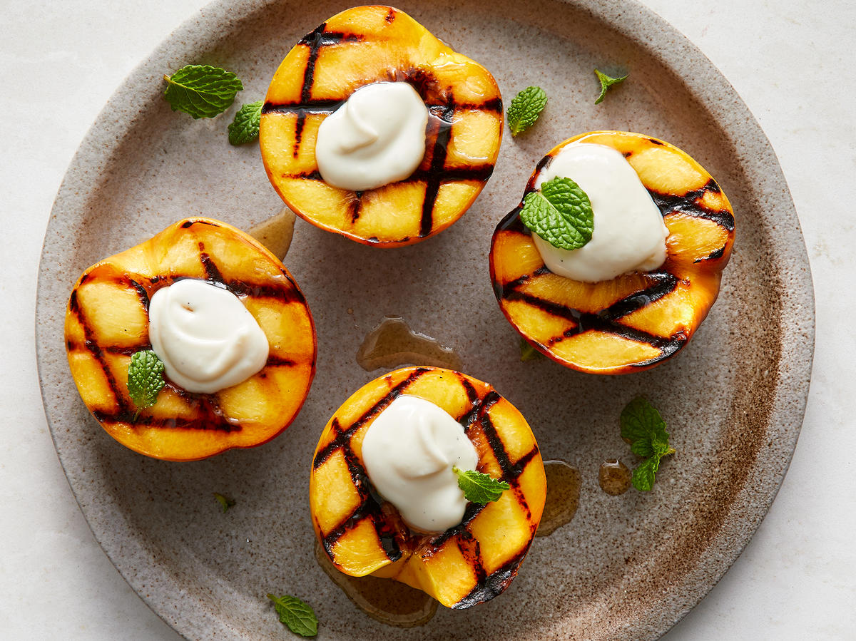 Grilled Peaches With Vanilla Mascarpone